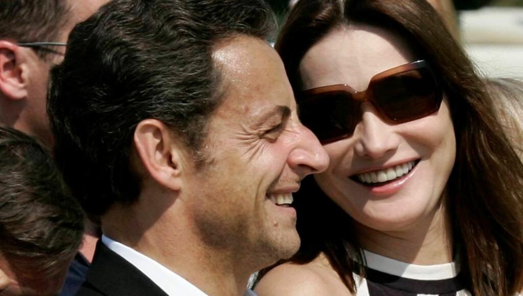 FIKK EN DATTER: Carla Bruni-Sarkozy og president Nicolas Sarkozy ble denne uka foreldre til datteren Giulia. Foto: All Over Press