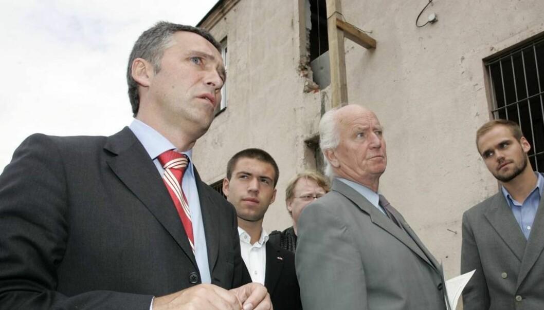 FAR OG SØNN: Mens Thorvald Stoltenberg tjente 3,3 millioner kroner i 2010, innkasserte Jens «bare» 2. Foto: Geir Egil Skog, Se og Hør