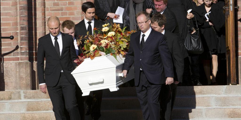 image: NRK-legenden Hans Christian Alsvik begravet