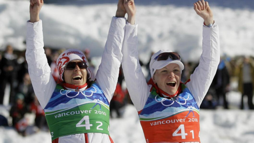 <strong>TOK MEDALJE ETTER DOP:</strong>Russiske Irina Khazova (til høyre) kom fra to års utestengelse til bronse på sprintstafetten i Vancouver-OL. Det må trigge forskerne til å se hvorvidt også EPO-bruk kan ha en langvarig effekt på prestasjonsevnen. Foto: AP/Dmitry Lovetsky.
