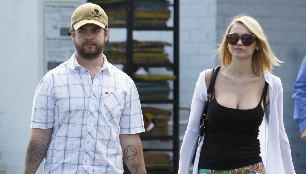 GRUNN TIL Å JUBLE: For en drøy uke siden forlovet Jack Osbourne og Lisa Stelly seg, etter kun fire måneder. Nå er det baby på vei. Foto: All Over Press