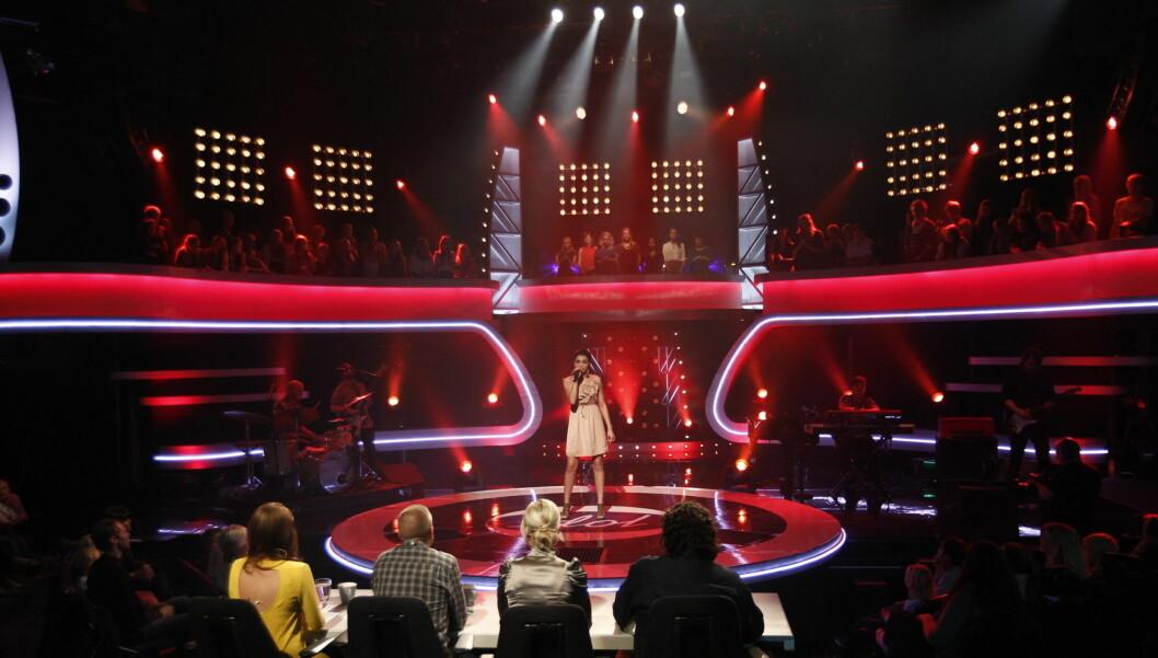 PÅ SCENEN: Ingen tegn til nervøsitet da Shadi gikk på scenen i «Idol», men også denne gangen røk 18-åringen ut av en talentkonkurranse på TV 2. Foto: Stella Pictures