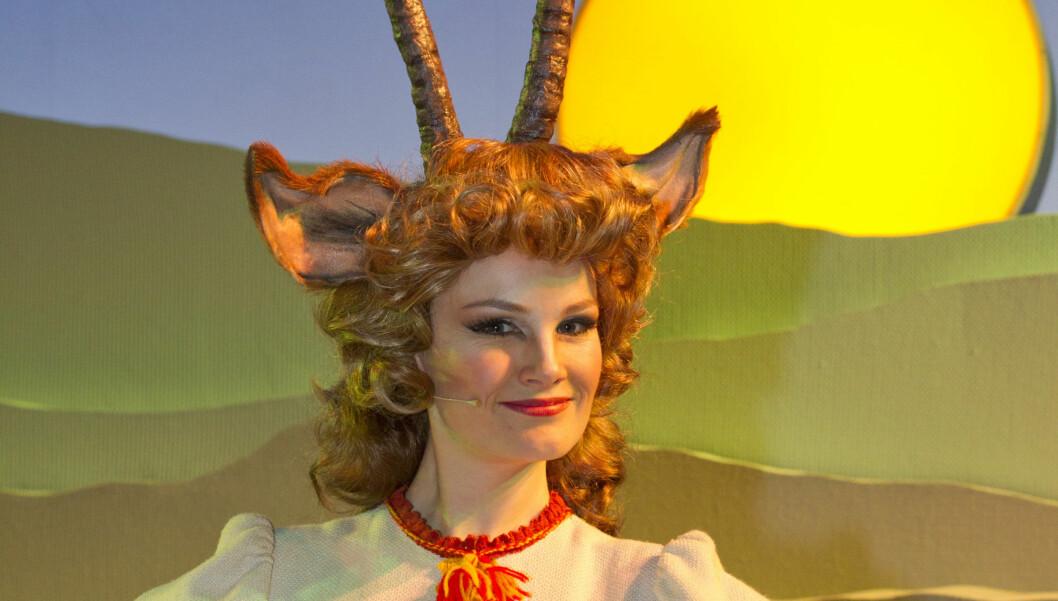 <strong>TILBAKE PÅ SCENEN:</strong> Lena Kristin Ellingsen var sykmeldt i ett år, men er nå tilbake i rollen som geitemor i stykket «Rockeulven» på Nationaltheatret.  Foto: Morten Eik/Se og Hør