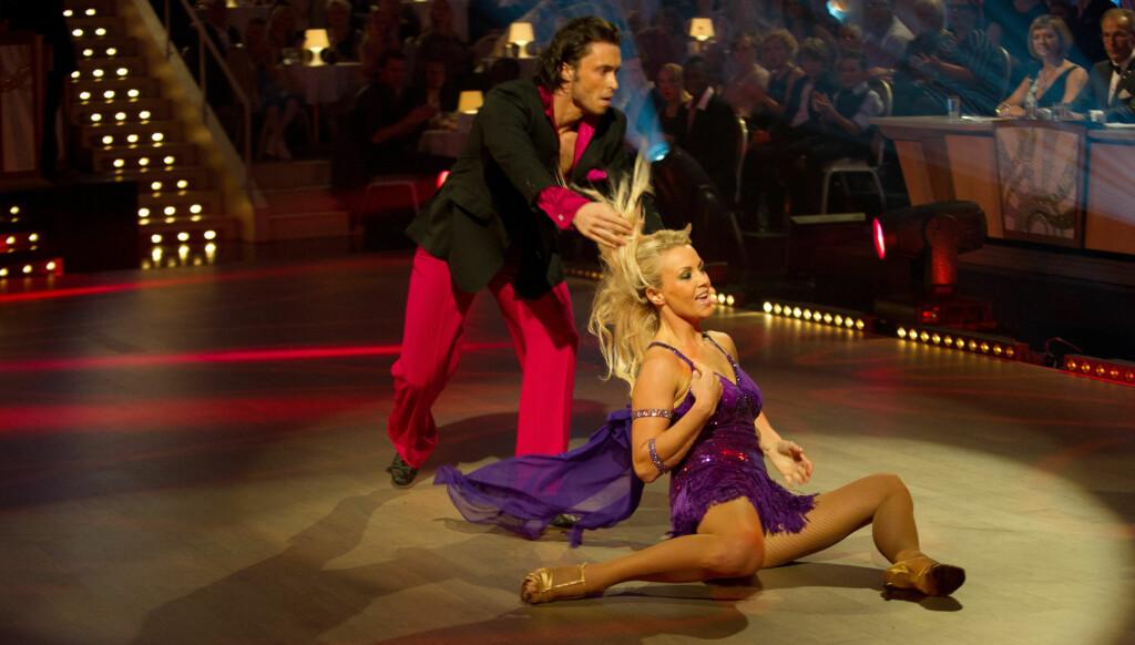 HETT: Det gikk hett for seg da Egor og Kari danset jive forrige uke. Så hett at Kari faktisk fikk brannsår på rumpa.. Foto: Stella Pictures