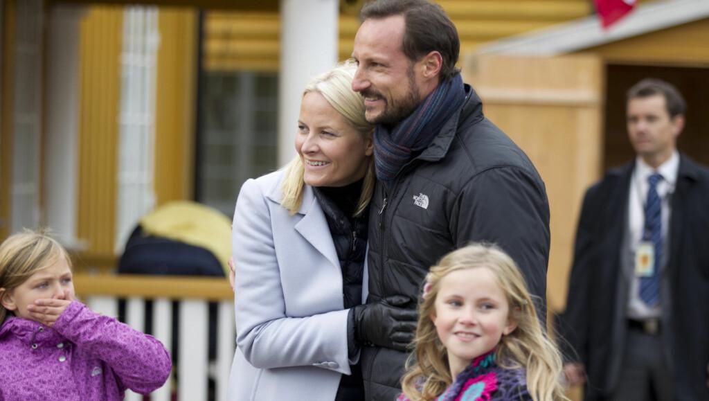 FORELSKA: Haakon og Mette-Marit nøt hverandres selskap under oppholdet. Foto: Stella Pictures
