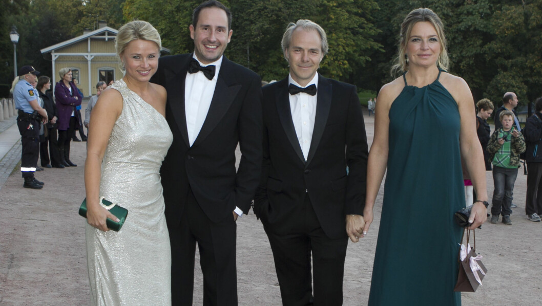 <strong>CELEBRE GJESTER:</strong> Harald Rønneberg og kona Sølvi Haugland og Harald Zwart og hans kone Veslemøy Zwart gledet seg til å tilbringe kvelden sammen med de kongelige på slottet. Foto: Stella Pictures