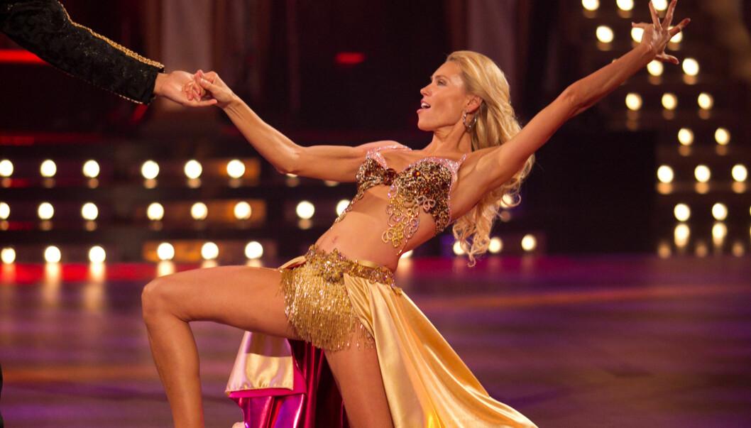 <strong>SEXY SVENSKE:</strong> Anna Anka viste tydelig hvor flott hun hun holder seg under lørdagens «Skal vi danse». Foto: Stella Pictures