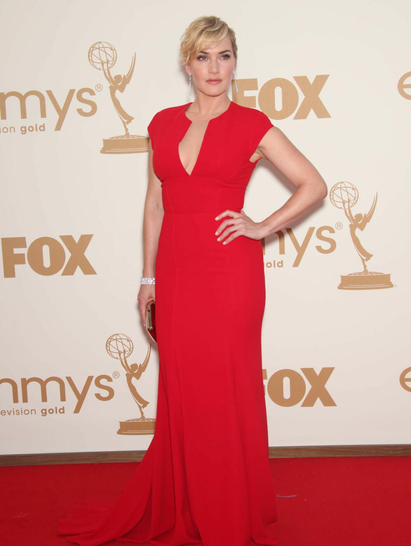 <strong>I RØDT:</strong> Kate Winslet hadde på seg en Elie Saab-kjole. Foto: Stella Pictures