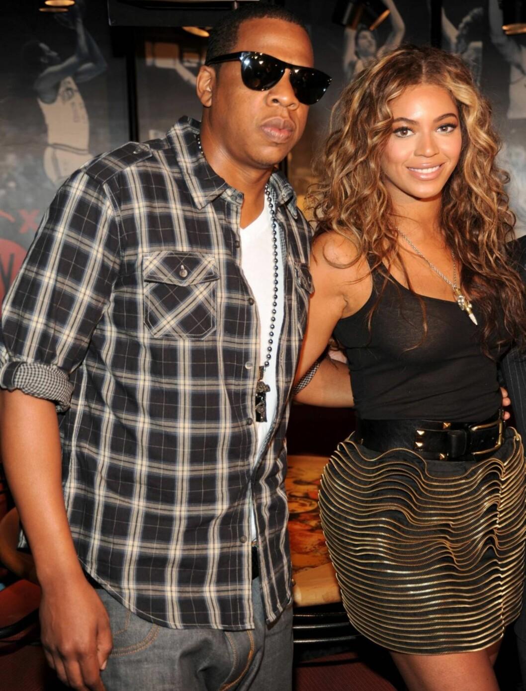 <strong>FORELDRE:</strong> Superparet Jay-Z og Beyoncé blir foreldre for første gang. Her på et event noen dager etter at graviditeten ble gjort offentlig. Foto: All Over Press
