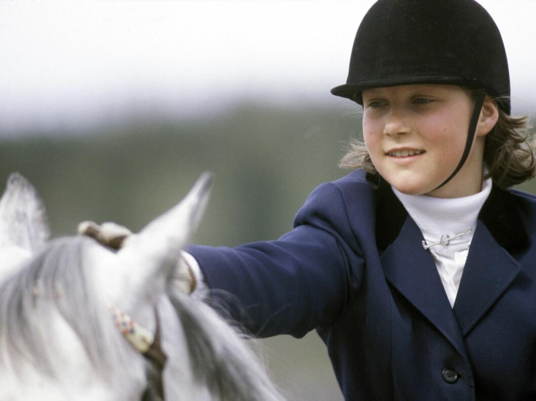 <strong>HESTEJENTE:</strong> Prinsesse Märtha var særlig i ungdomsårene lidenskaplig opptatt av hester. Her er hun på ridekurs på Nordhaug ridesenter i 1984.   Foto: Scanpix