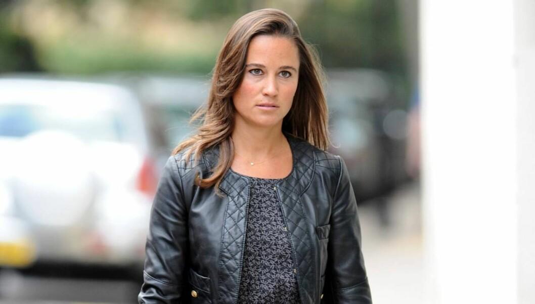 FÅR KRITIKK: Den ellers så velkledde Middleton-søsteren får nå negativ respons for kjolevalget.  Foto: All Over Press