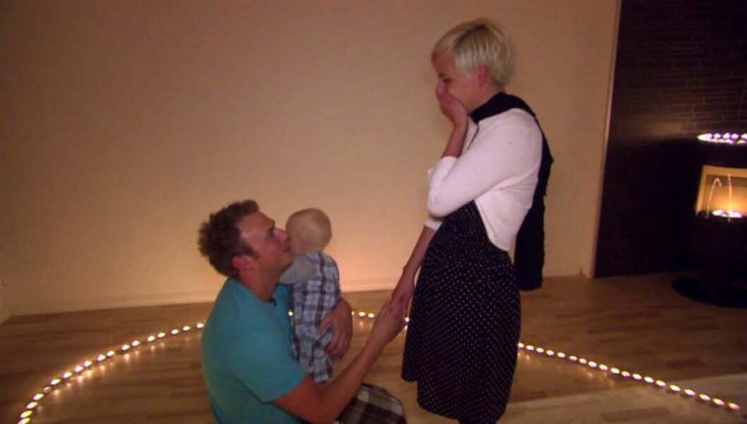 - VIL DU GIFTE DEG MED MEG?: Anders Nygård overrasker kjæresten Susanne Pallesen i tirsdagens utgave av TV3-programmet «Hjelp, han pusser opp!» Foto: TV3