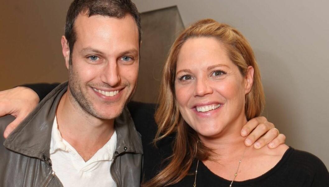 BLE FORELDRE FOR TREDJE GANG: Skuespilleren Mary McCormack og ektemannen Michael Morris kunne lørdag juble over å ha blitt foreldre for tredje gang. Foto: All Over Press