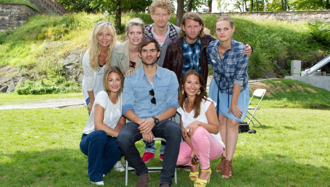 GJENGEN: Julia og resten av «Hjelp, vi er i filmbransjen»-gjengen. Foto: Stella Pictures