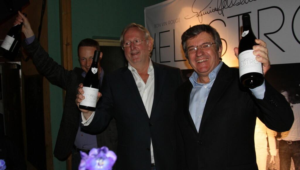 """ENDELIG I MÅL: Eyvind Hellstrøm lanserte denne uken sin egen vin """"Hellstrøm Bon vin Rouge"""" sammen med Christoffer Mostue og François Perrin.  Foto: Sølve Hindhamar/Seher.no"""