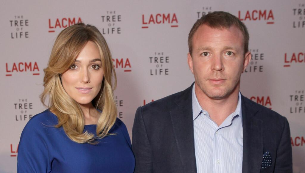 FIKK EN SØNN: Ritchie, som tidligere var gift med Madonna, og kjæresten Ainsley kan juble. Foto: All Over Press