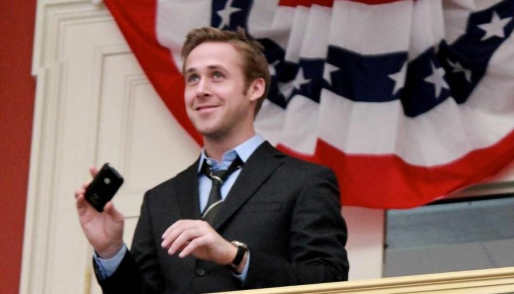 FILMSTJERNE: Ryan Gosling har på kort tid blitt en av Hollywoods mest populære unge filmstjerner. Her er han på settet til filmen «The Ides Of March». Foto: All Over Press