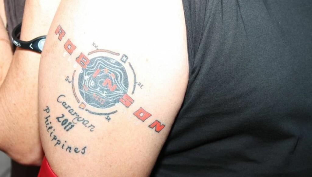 VERDIG MINNE: Deltageren som nå er klippet vekk forklarte at tatoveringen var et godt minne fra oppholdet på Robinson-øya. Foto: Seher.no
