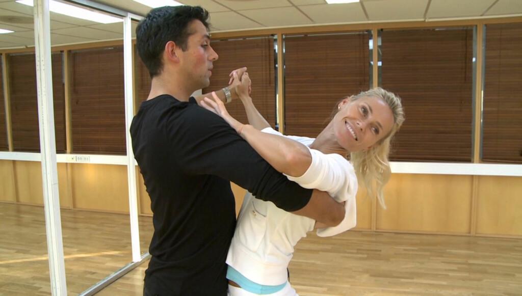 DANSEKLAR: Anna Anka og dansepartneren Glenn Jørgen Sandaker ligger for tiden i hardtrening. Om litt over en uke er det nemlig klart for «Skal vi danse»-premiere.  Foto: TV 2