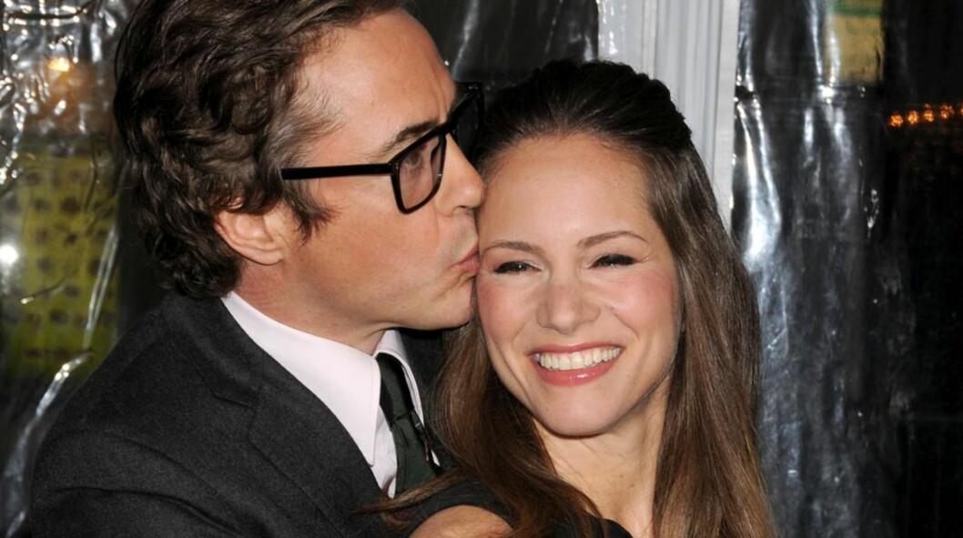 <strong>BLIR FORELDRE:</strong> Robert Downey Jr. og filmprodusent-kona Susan Downey venter sitt første barn sammen i starten av 2012. Allerede i fjor «forutså» skuespilleren at han snart ville bli far igjen. Her er det forelskede paret avbildet på Los Angeles-premie Foto: Stella  Pictures