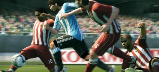 «Pro Evo 2011» går rett i strupen på «FIFA 11»
