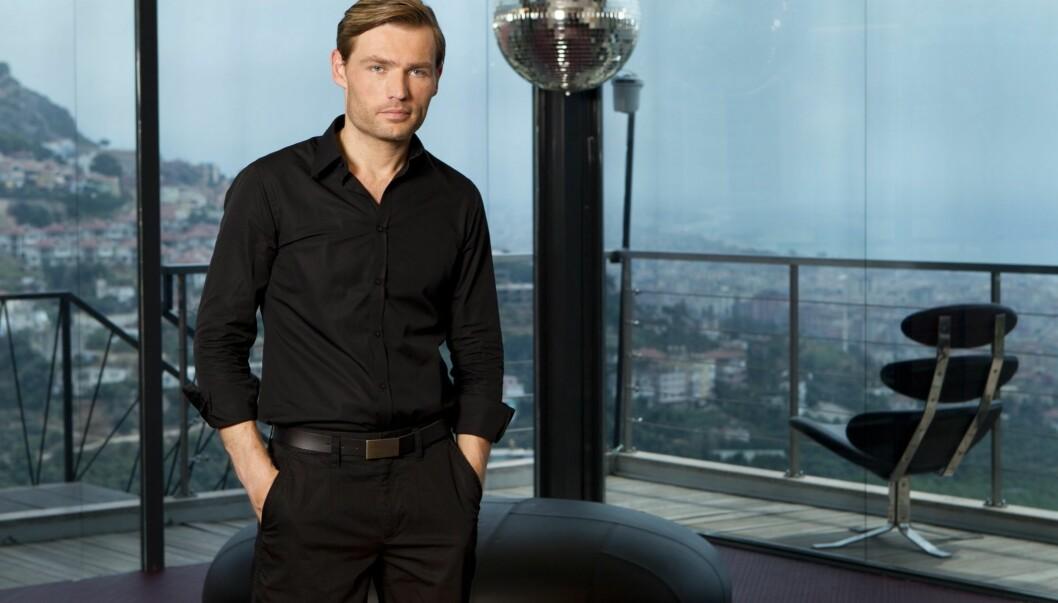 <strong>PROGRAMLEDER-DEBUT:</strong> Alexander Endsjø debuterer som programleder i TV3s nye realityserie «Fristet». Endsjø har tidligere jobbet som stunt-journalist i bladet FHM. Foto: TV3
