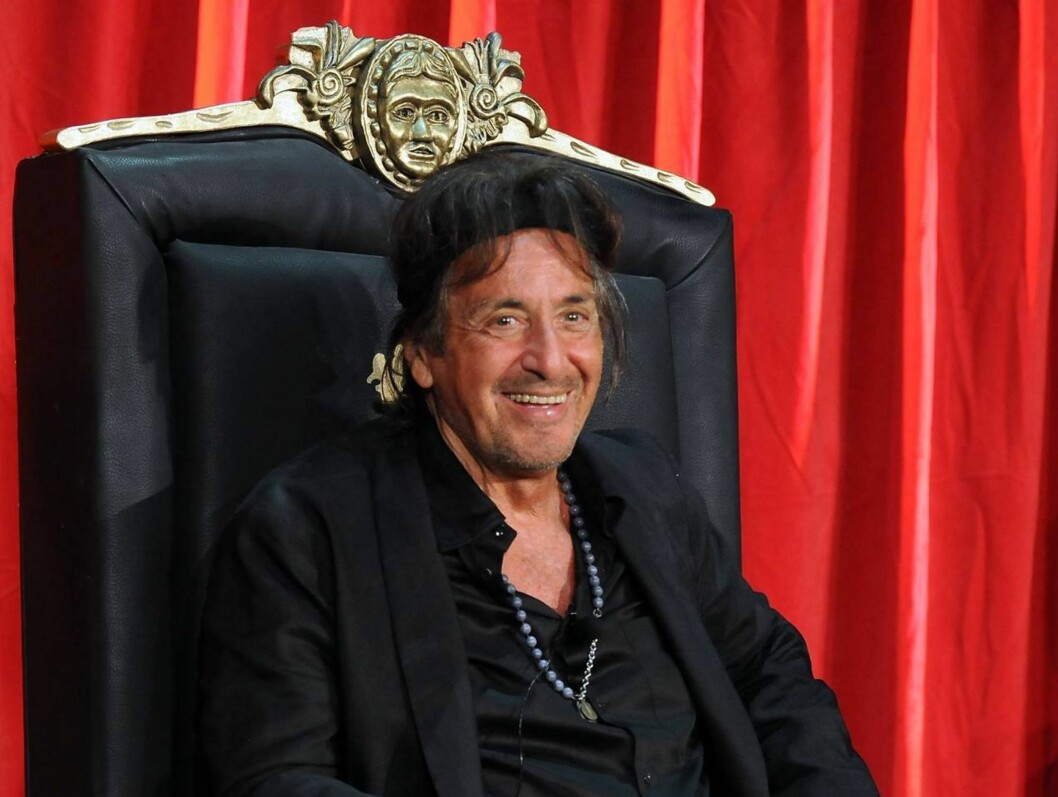 I STØTET: Al Pacino, her på relanseringen for «Scarface» på Blu-Ray, holder seg godt til å være 71 år.