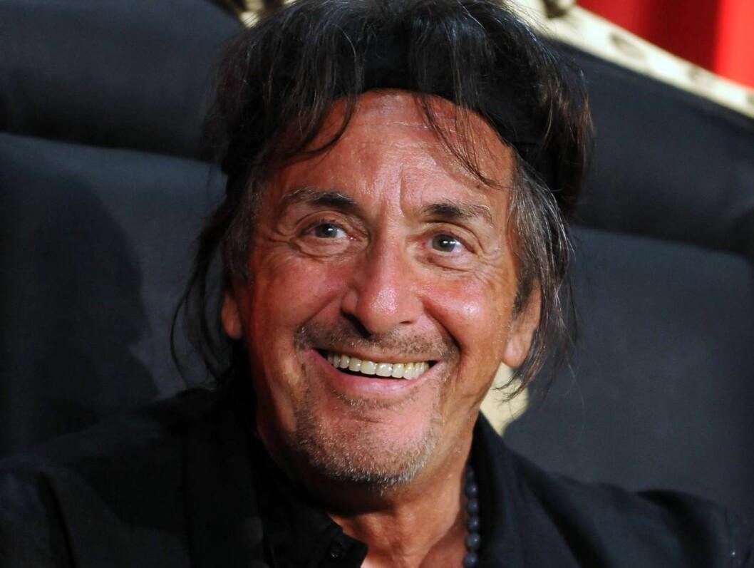 GAMMELMANNSKJEKK: Den populære skuespilleren Al Pacino holder seg godt til å være i syttiårene.  Foto: All Over Press
