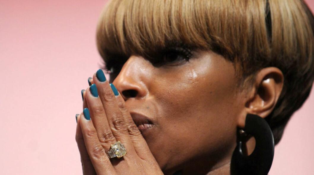 TØFF TID: I flere år slet R&B-diva Mary J. Blige med rus- og alkoholmisbruk, etter å ha opplevd sexovergrep, alkoholisme og å bli truet på livet mens hun vokste opp. Her er hun avbildet på Stronger: Girls Empowerment Day som ble avholdt i New York i Foto: Stella Pictures