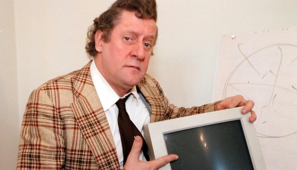 SUKSESS: Skuespilleren Lasse Brandeby er best kjent for sin rolle som karakteren Kurt Olsson. Nå ligger han alvorlig syk på sykehus i Sverige. Foto: Scanpix