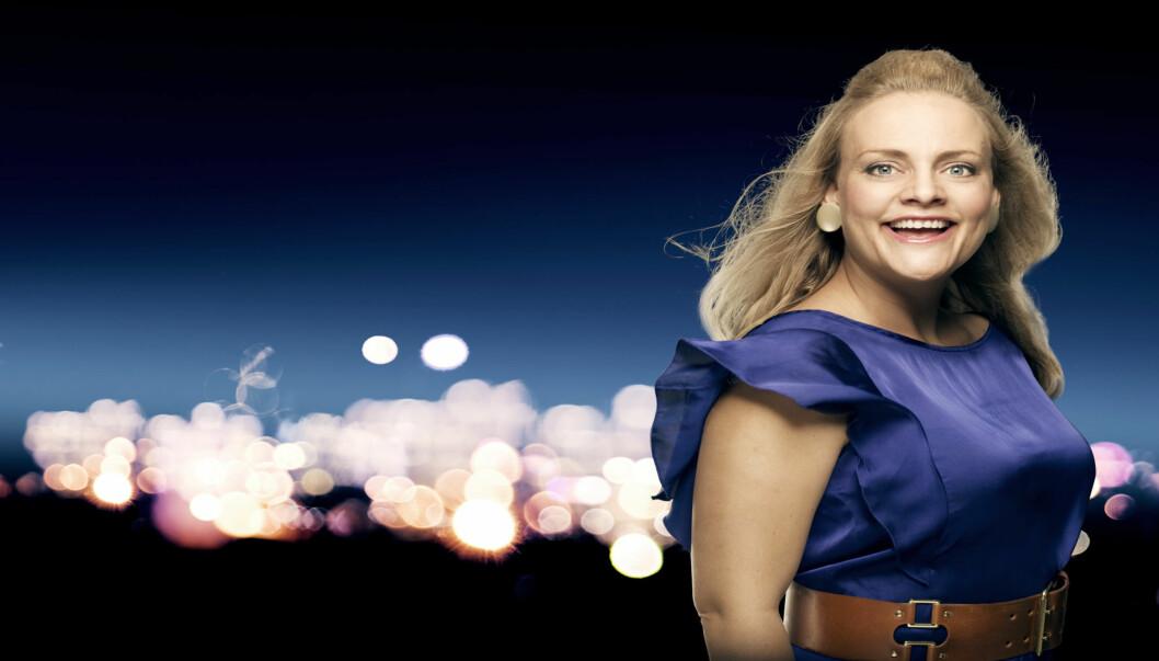 GRAVID: Henriette Steenstrup er gravid, og tar med det seg en liten pause fra «Torsdag kveld fra Nydalen».  Foto: Torsdag kveld fra Nydalen