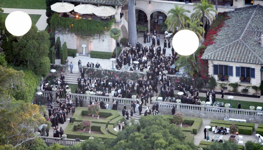 TIDLIG TIL SENGS: Naboene i området rundt Montecito, California, orket ikke høre på støyet fra hundrevis av bryllupsgjester, og sørget for en tidlig avslutning på den celebre bryllupsfesten.  Foto: All Over Press
