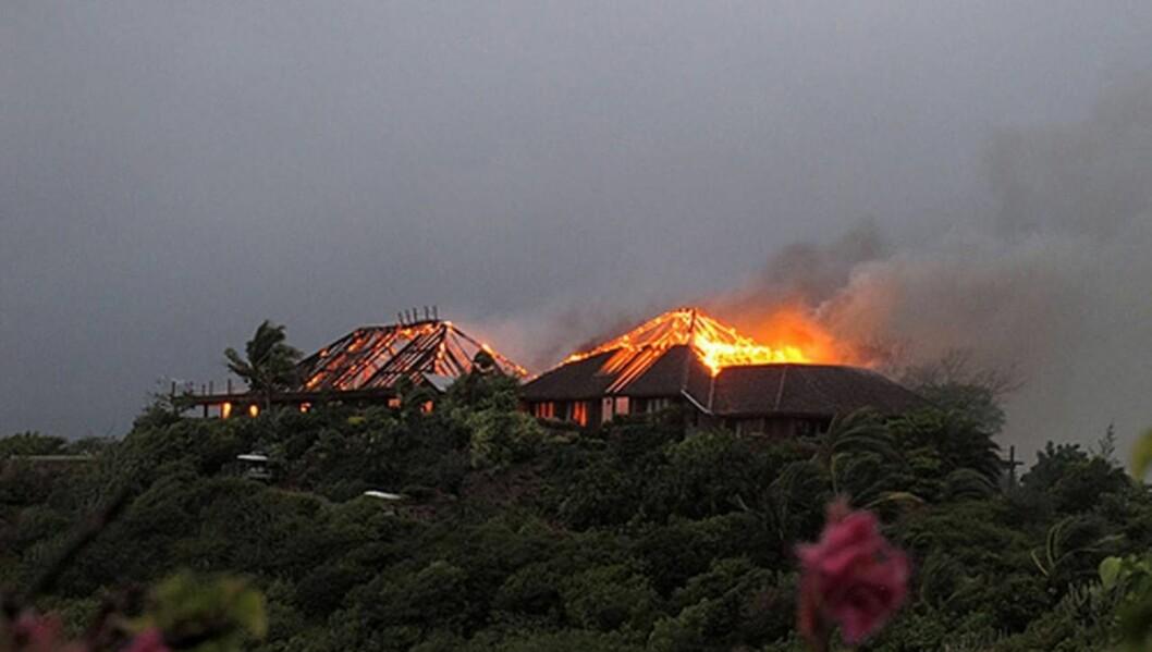<strong>BRANN:</strong> Richard Bransons eksklusive villa på Necker Island brant til grunnen, så nå må Cheryl og Ashley Cole finne et annet sted å feriere.  Foto: All Over Press