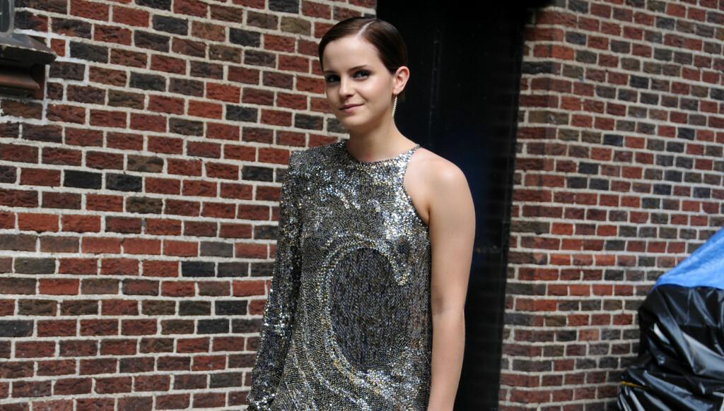 SKJULTE NULL: - De virket å være svært åpne om det, de prøvde ikke å skjule noe, sier et øyenvitne om kysseseansen mellom Emma Watson og Johnny Simmons.
