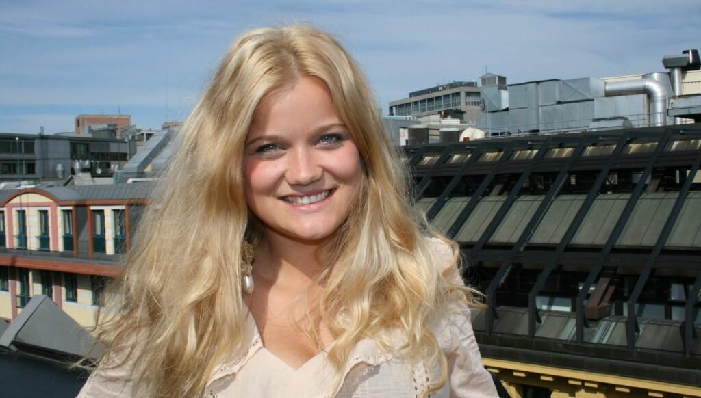 FIKK NY SØSTER: - Linnea heter hun, skriver Sandra Lyng Haugen, som har blitt storesøster for annen gang, på Twitter. Foto: Anders Myhren / Seoghør.no
