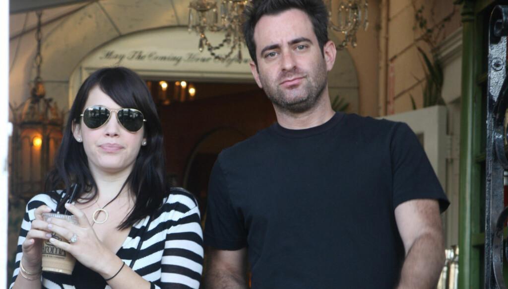 BLIR FORELDRE: Marla Sokoloff og ektemannen Alec Puro blir foreldre for første gang. Foto: Stella Pictures