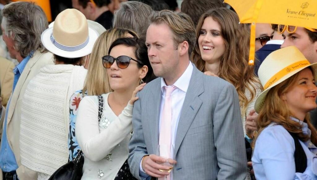 KOM SAMMEN: Lily Allen og ektemannen Sam Cooper var til stede under en polo-turnering i England søndag. Foto: All Over Press