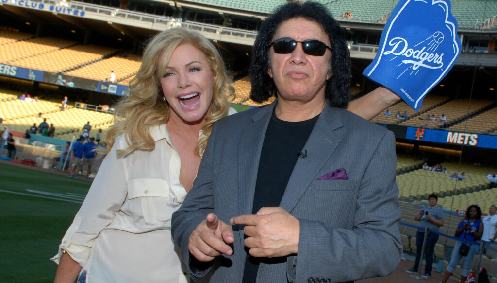 GIFTER SEG: Gene Simmons og Shannon Tweed er nå forlovet. Foto: All Over Press