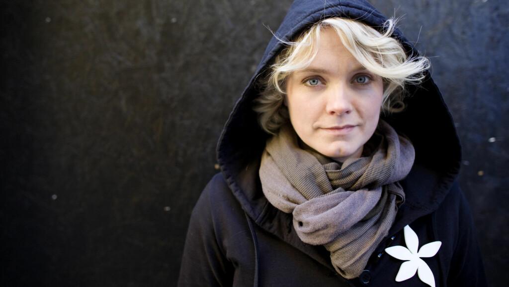 FALT SAMMEN: Kroppen til musikeren sa til slutt stopp, og hun måtte tilbringe to måneder på sykehus. Foto: SCANPIX