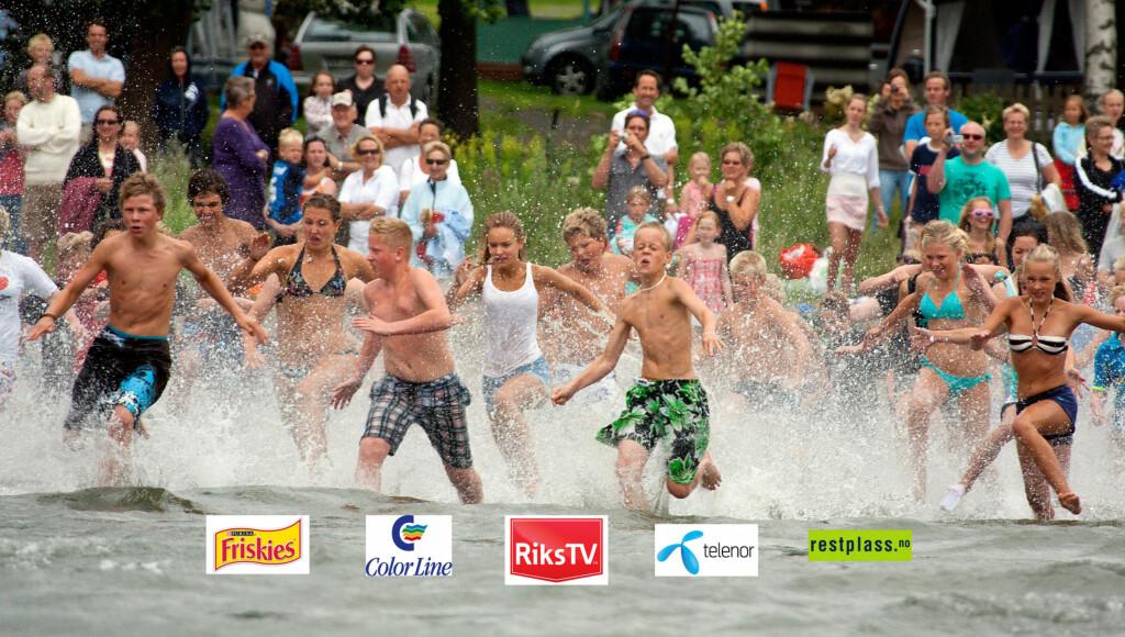 PÅ FULL FART ETTER FLASKEPOSTEN: Sjekk lenger ned i saken om Se og Hørs Sommerturné kommer til et sted nær deg.