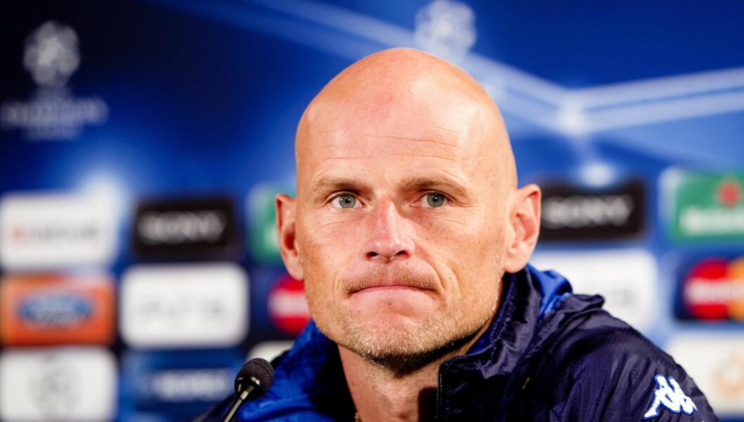 I SJOKK: FC Köln-trener Ståle Solbakken var svært prget av tragedien i Norge under lørdagens treningskamp i Tyskland. Etter kampen orket han ikke å snakke fotball med sportsjournalistene - det var meningsløst denne dagen. Her avbildet under en press Foto: SCANPIX