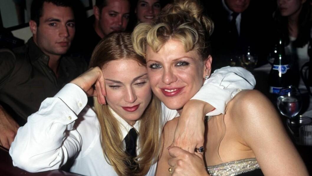 <strong>FLYTTET UT:</strong> - Mesteparten av familien fryktet at hun hadde vrangforestillinger om å ta til seg en tittel - hun fleipet jo stadig om at hun skulle bli «Lady Love», sier en kilde om bruddet mellom Courtney Love og Henry Allsopp. Her er Love avbildet samm Foto: All Over Press