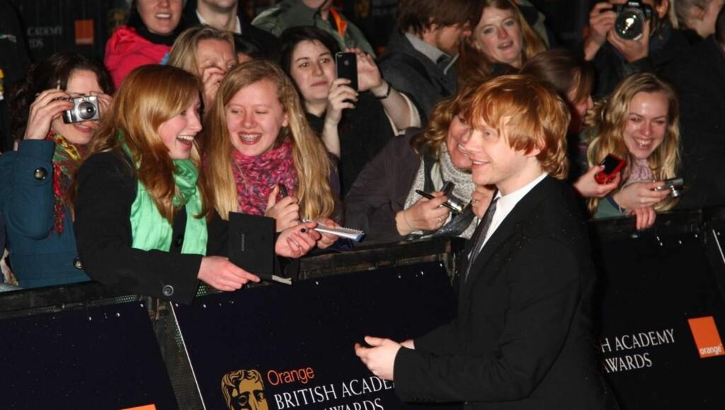 TØFF KYSSESCENE: - Det tok sin tid å komme igang, og å putte vennskapet til side for et lite øyeblikk, sier Harry Potter-stjernen Rupert Grint. Foto: All Over Press