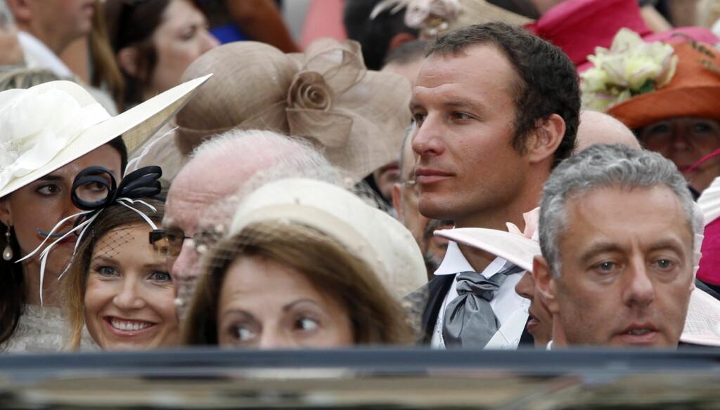 GLI INN I MENGDEN: Julia Mancuso skrev på sin Twitter-side at hun skulle prøve å gli inn i mengden av kongelige. Foto: SCANPIX