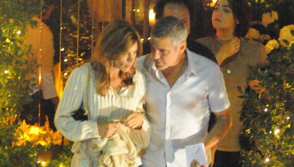 DUMPET I ITALIA?: Ingen ante at et brudd var nær forestående, da George Clooney og Elisabetta Canalis i forrige uke ble sett sammen i Italia. Men få dager senere bekreftet begge to at de hadde gått hver sin vei. Foto: All Over Press