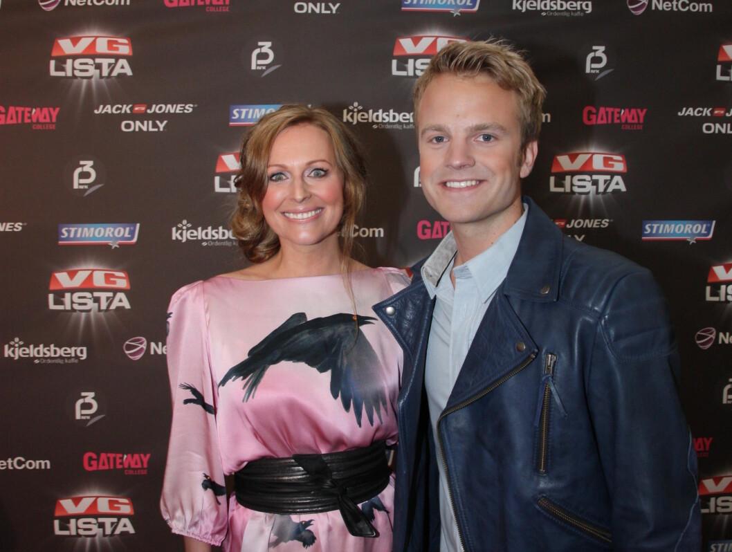 PROGRAMLEDERE: Marte Stokstad er tilbake for første gang etter mammapermisjonen, og ledet VG-lista showet med NRK-kollega Erik Solbakken. Foto: Sølve Hindhamar/ Seher.no