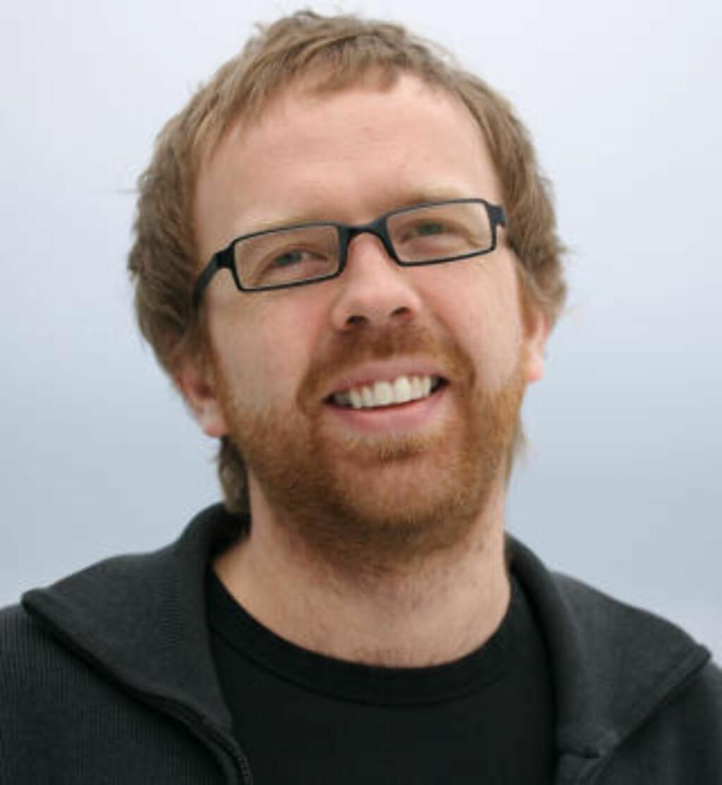 SPREDT OVER VERDEN: Eirik Solheim, som er prosjektleder i NRKs utviklingsavdeling og redaktør  for nettstedet NRKbeta.no, sier det at politiet slår til i 14 land samtidig kan tyde på at de er ute etter en spesiell aktør fordi de som bidrar til å holde torrentsider levende er spredt over hele verden. Foto: Svein Aronsen/Flickr
