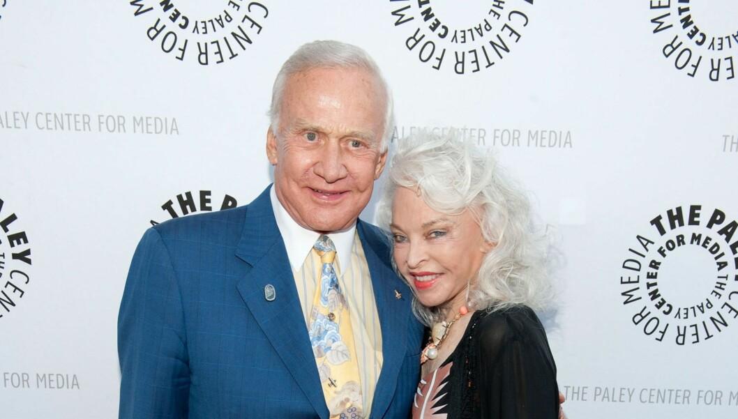 SKILLESIGJEN: Buzz Aldrin og kona Lois skilles seg etter 23 år. Foto: All Over Press