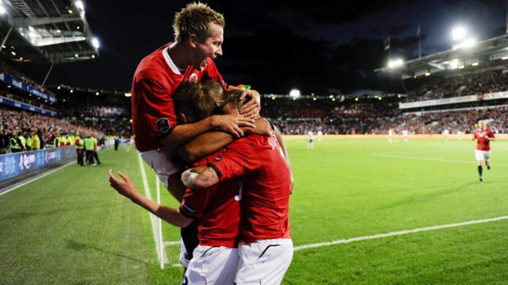 I FØRERSETET: Norge har tatt kommandoen i EM-kvalikgruppa etter full pott på de to første kampene. Erik Huseklepps scoring betyr at «nye Drillos» har fem poengs forsprang til gruppefavoritt Portugal.Foto: SCANPIX