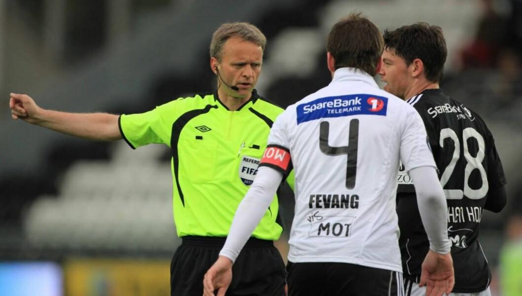 TIL SYKEHUS: Morten Fevang måtte til sykehus med hjerteproblemer etter gårsdagens Tippeliga-kamp mellom Rosenborg og hans lag Odd. Kampen endte 3-3. Foto: SCANPIX